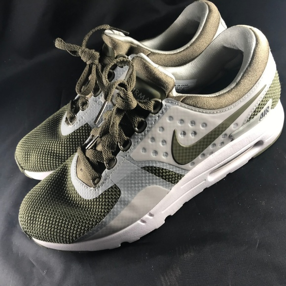 on sale d13b4 214fa Rare NIKE AIR MAX ZERO Sample Promo Olive Green 9 NWT
